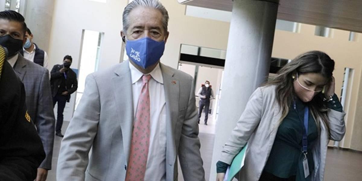 Entregan primer pedido de juicio político contra el Ministro de Salud
