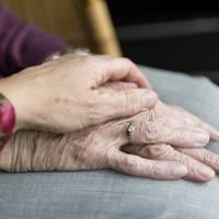 Mueren 7 residentes de un centro de mayores que ya habían recibido la primera dosis contra covid-19