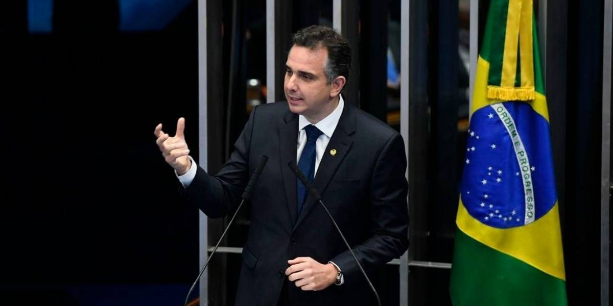 Rodrigo Pacheco, do DEM, é eleito presidente do Senado