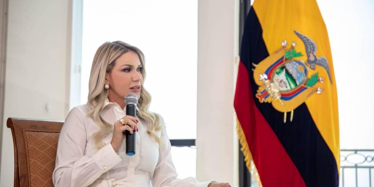 Candidato Guillermo Lasso realizó visita protocolaria a la prefecta Susana González