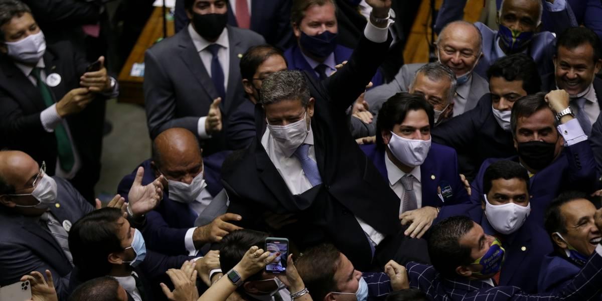 Aliados de Bolsonaro vencem eleições no Congresso Nacional