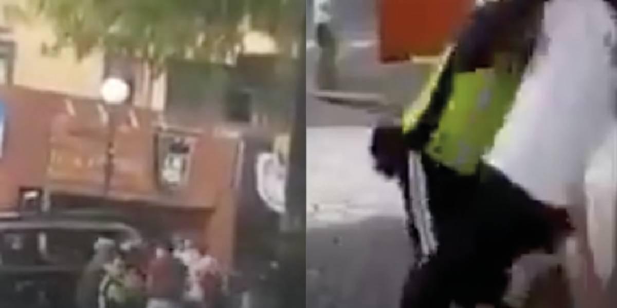 Captan agresión a un agente de tránsito en Quito; la AMT investiga los hechos