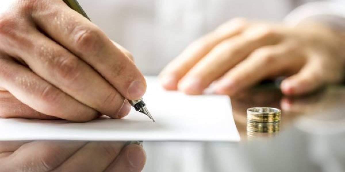 Para casarse con su amante 'falsificó' su certificado de divorcio