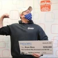 ¡Realmente afortunado! Hombre gana la lotería por sexta vez