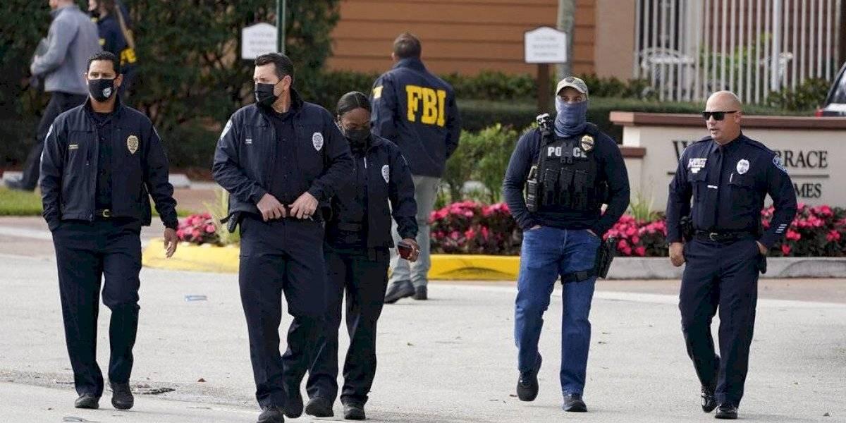 Mueren dos agentes del FBI en medio de allanamiento en la Florida