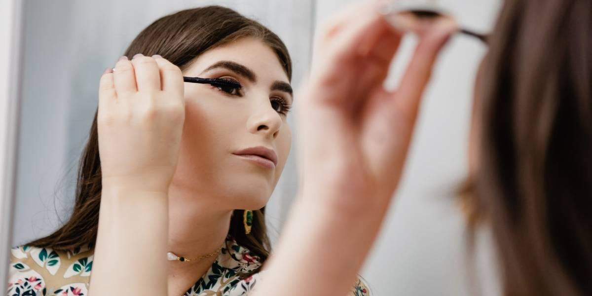 Joven boricua graduada de medicina emprende en la industria de la belleza