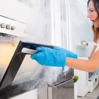 Queimou alguma coisa na cozinha? Esta é a dica simples para eliminar o cheiro forte do ambiente