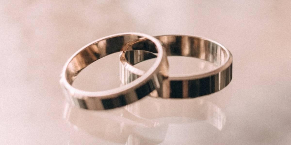 Una pareja española con COVID-19 se casa antes de ser sedada e intubada