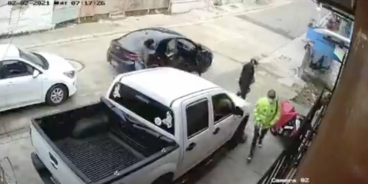 Delincuentes disfrazados de policías roban $11.000 de una avícola en Guayaquil