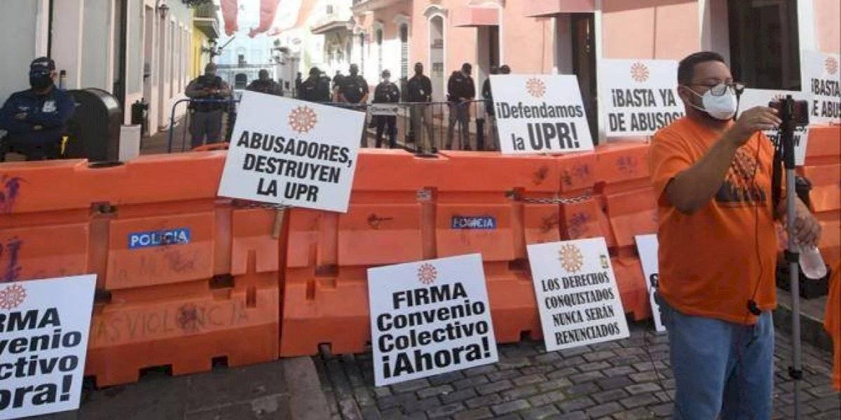 Gremio de empleados de la UPR se reúne con Fortaleza para buscar intervención en negociación colectiva