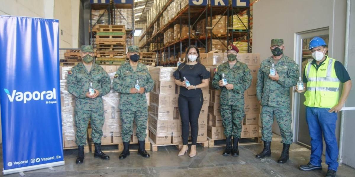 Operfel S.A. donó 66 mil frascos de gel antibacterial para el uso de los ciudadanos y servidores del Ejército Ecuatoriano