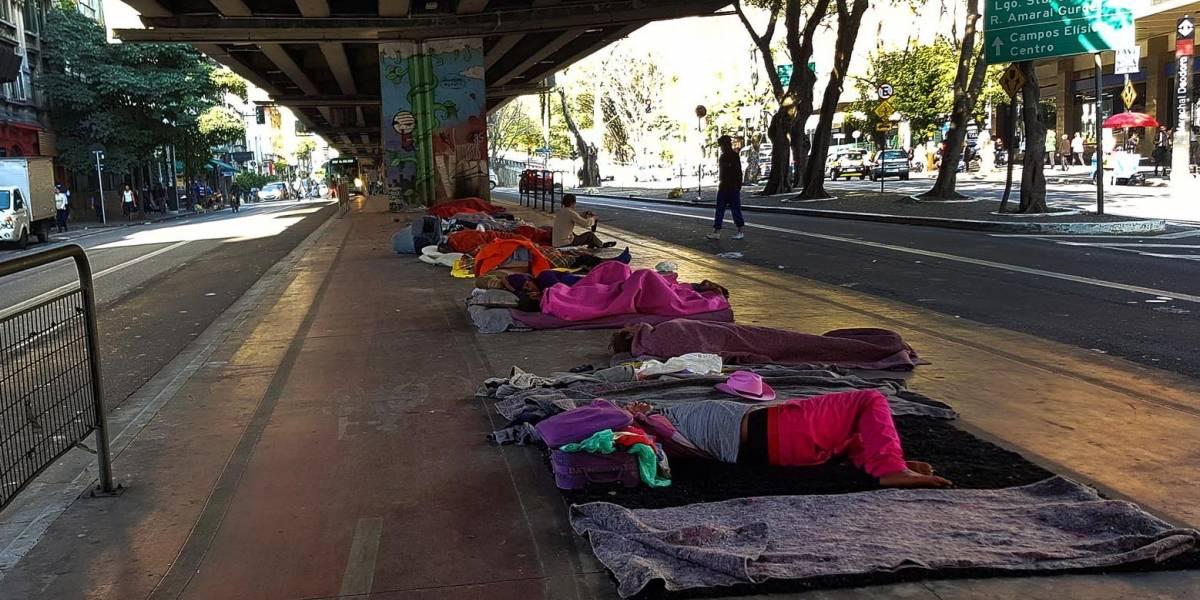 Defensoria pede prioridade a morador de rua
