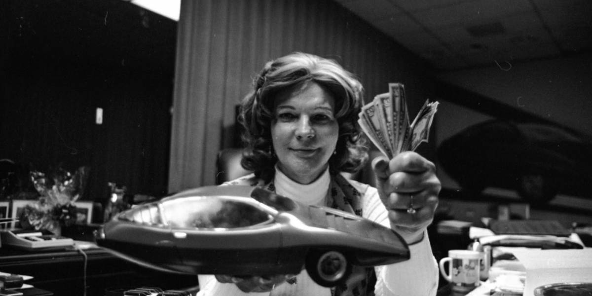 Conoce a Liz Carmichael, una trans-héroe olvidada, que llevó una vida caleidoscópica