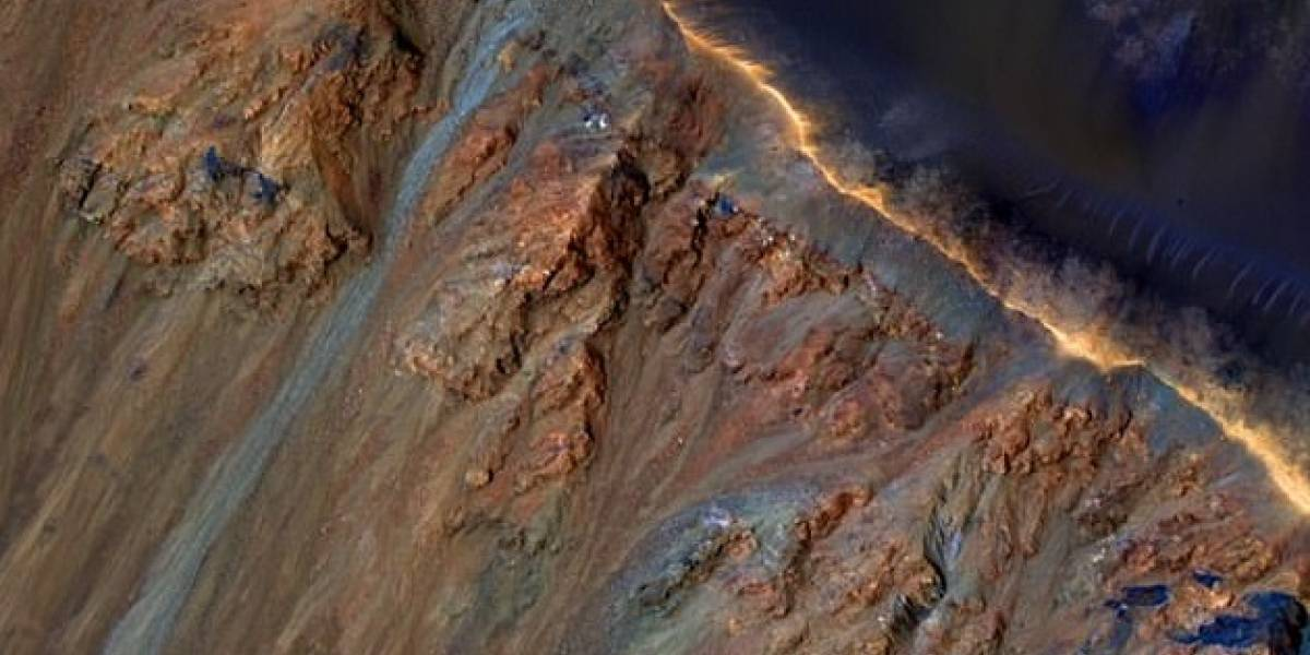 Marte registra deslizamientos de tierra y un estudio sugiere que se genera por hielo derretido
