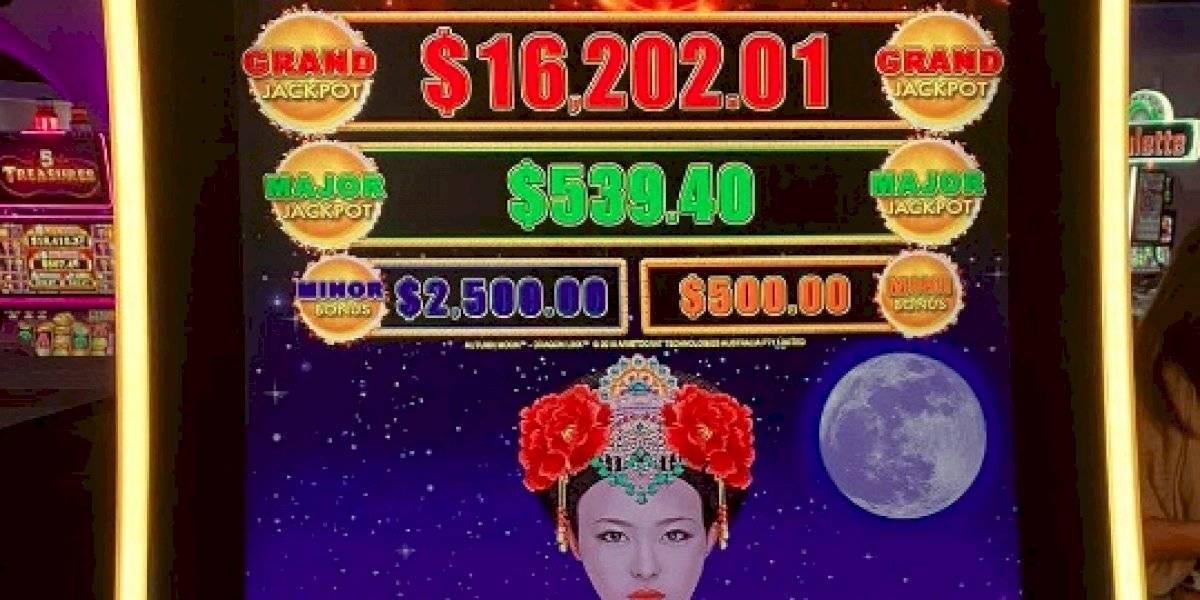 Mujer de Toa Alta gana más de $58 mil en el 'Jackpot del Encanto Deluxe'