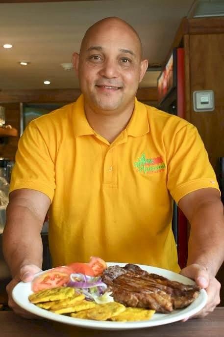 Empresario Rafael Hidalgo, propietario de los restaurantes El Platanal