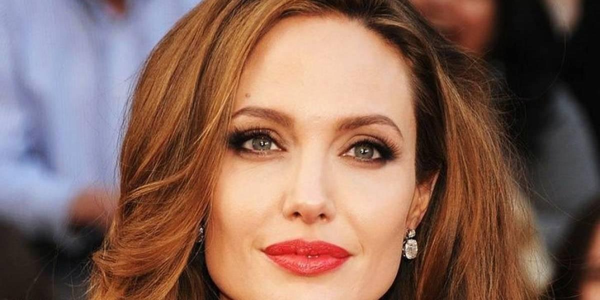 """Angelina Jolie, sesión de fotos para la portada de Vogue en su nueva mansión, y más: """"Quería que estuvieran cerca de su padre"""""""