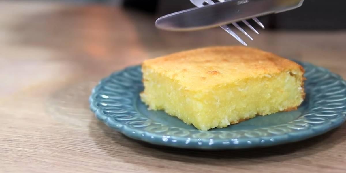 Receita prática de bolo de mandioca com coco para fazer em casa facilmente