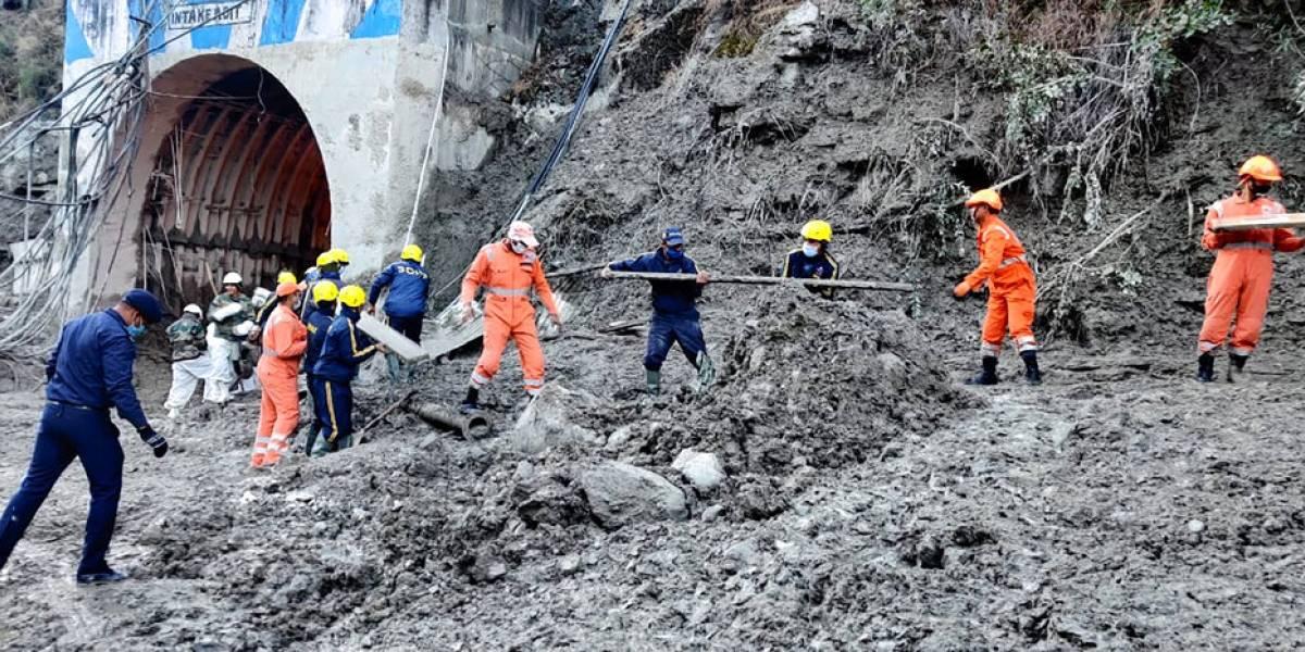 Al menos 26 muertos y 165 desaparecidos tras colapso de glaciar en India