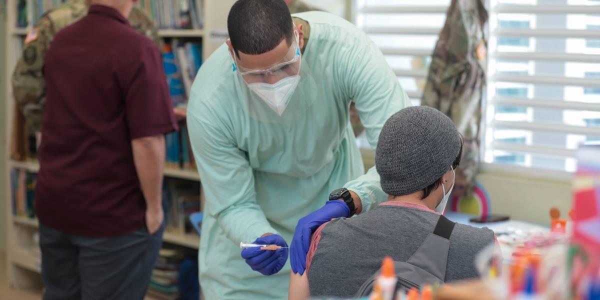 Administran segunda dosis de vacuna contra COVID-19 en Vieques y Culebra