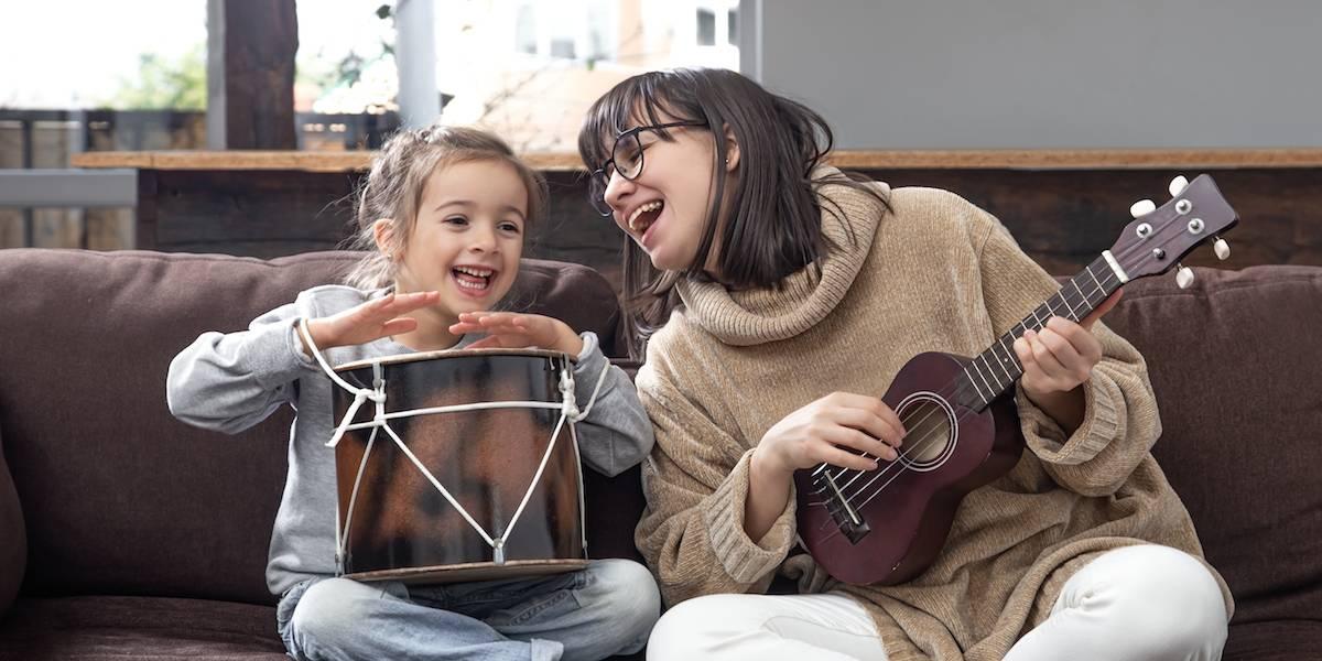 8 maneiras de aproximar o seu filho do universo musical