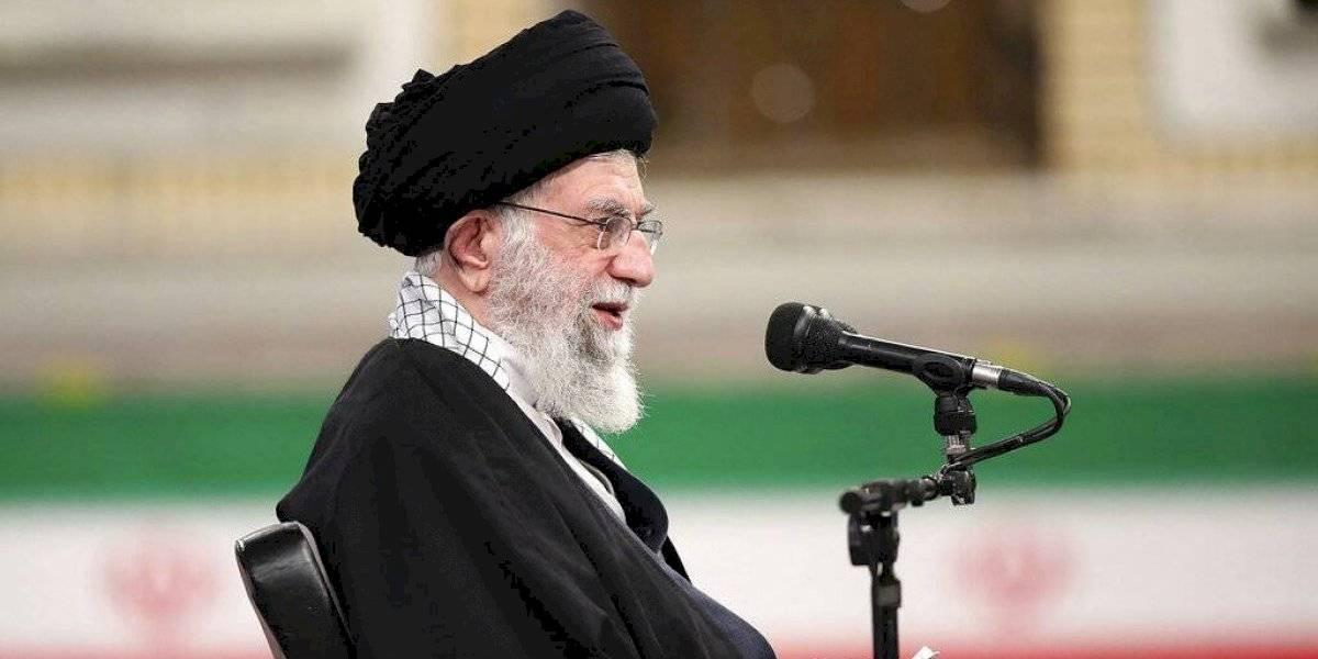 Irán advierte que podría desarrollar armas nucleares