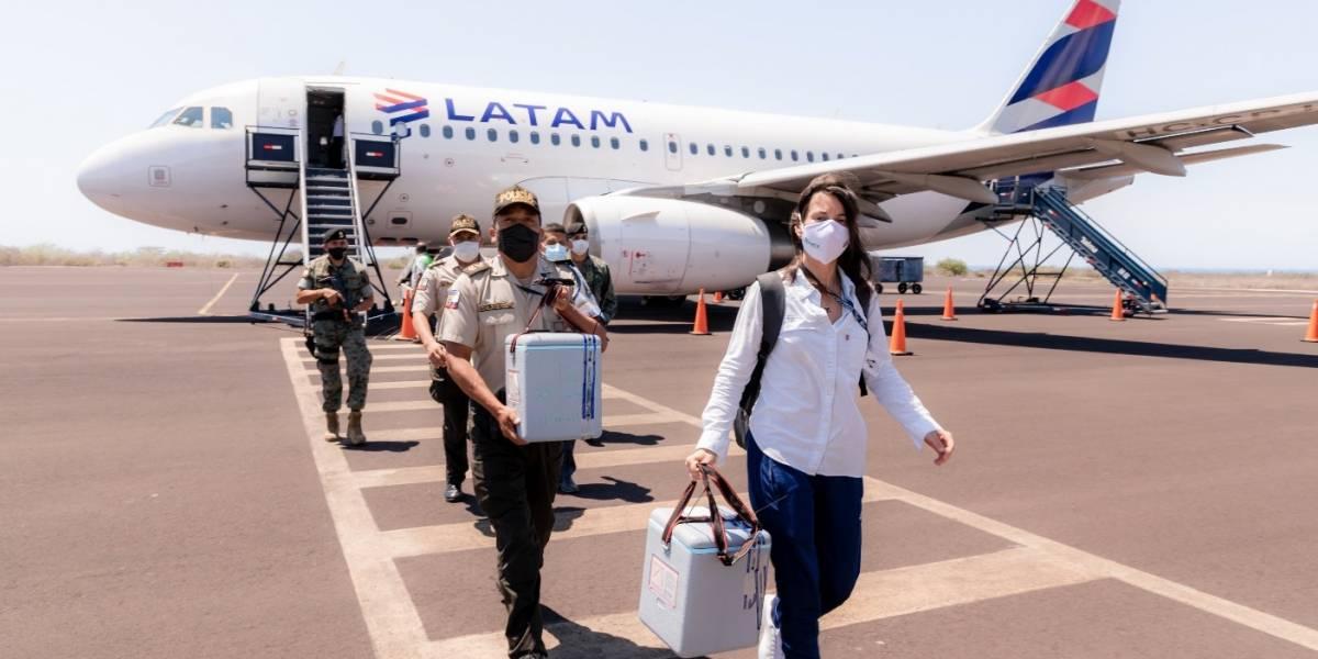 LATAM trasladó hacia Galápagos las primeras vacunas contra el Covid-19