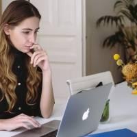 No home office já! Cinco plantas que atraem riqueza e sorte no trabalho