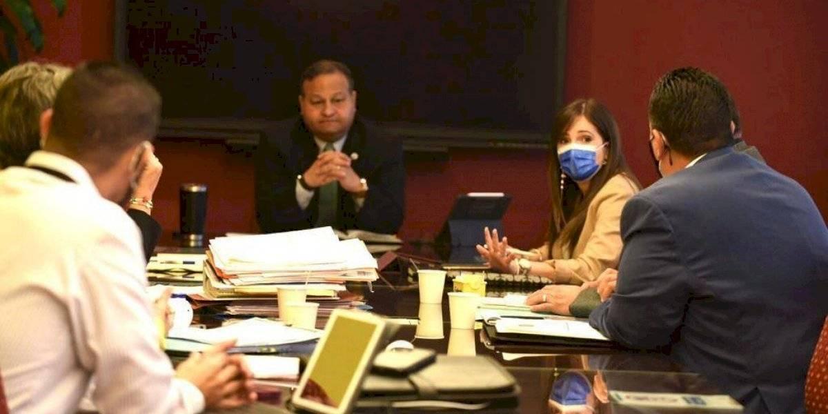 Alcalde Caguas se reúne con el DTOP para discutir arreglo de carreteras estatales
