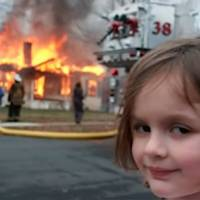 """Assim está Zoe Roth que ficou famosa com o meme """"Garota do desastre"""""""