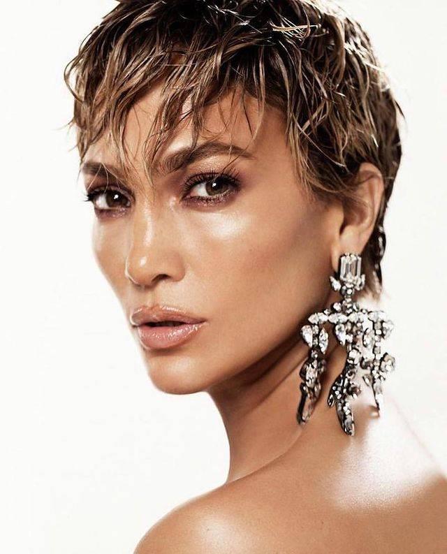 Jennifer Lopez sorprende con nuevo corte de cabello pixie