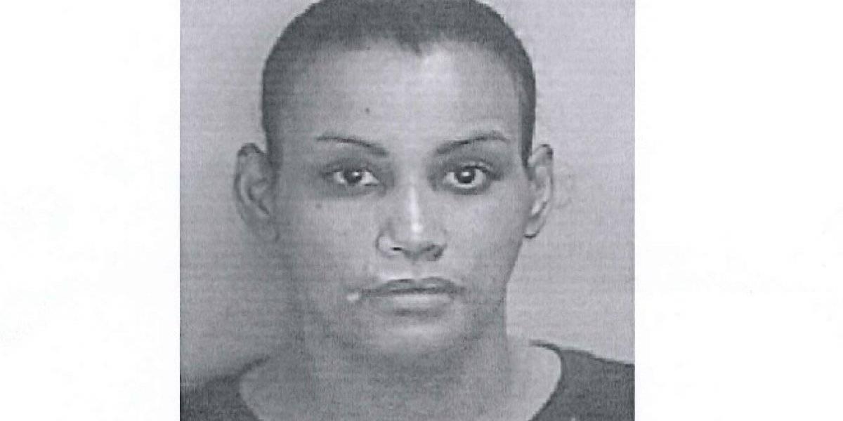 Arrestan mujer por violencia de género en Santa Isabel