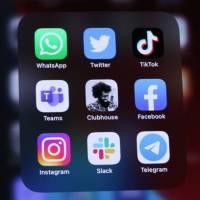 Así competirá Facebook con Clubhouse: comienza la guerra de los chats de audio