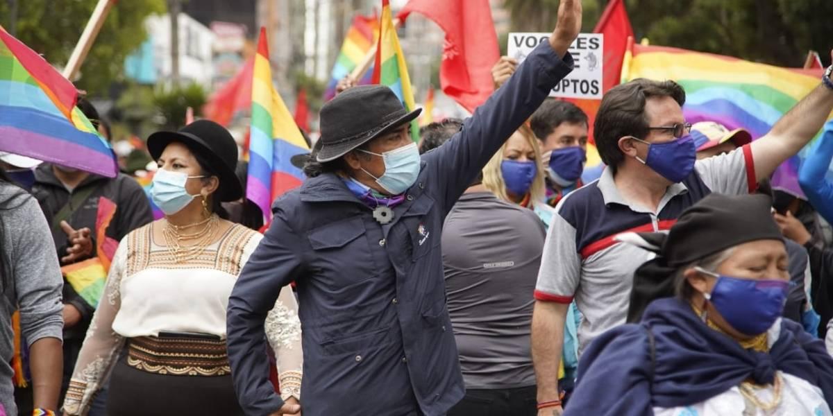 Yaku Pérez lidera movilización pacífica que se dirige a la Contraloría General del Estado