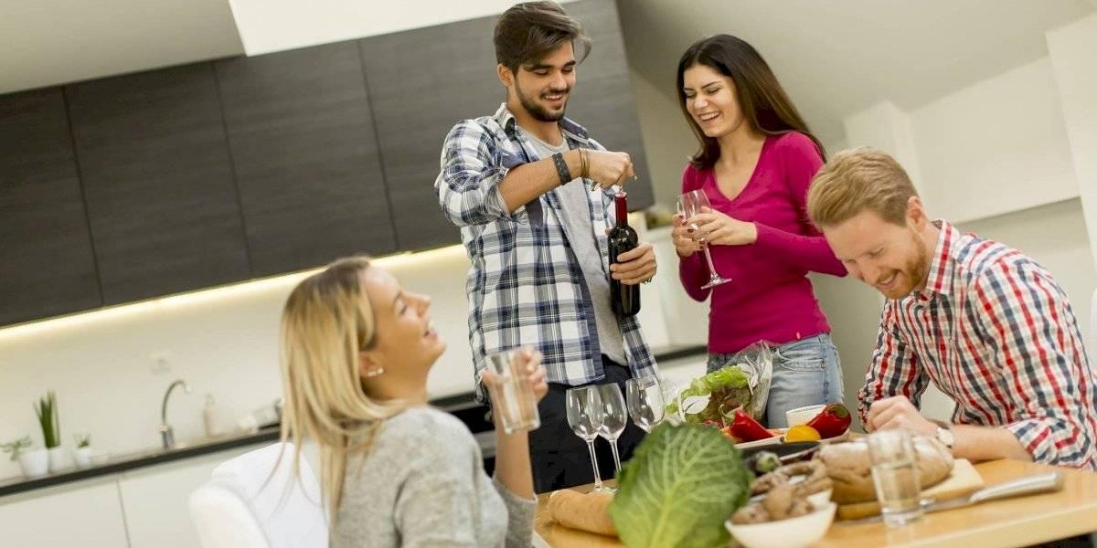 ¿Ya conoces los beneficios de tomar vino en pareja?