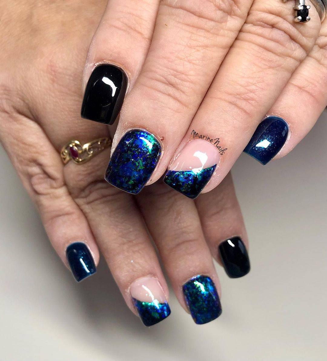 diseños de uñas con hojuelas