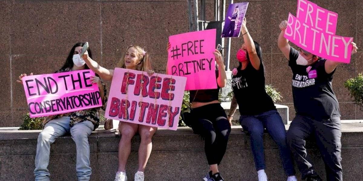 Abogados discuten poderes del padre de Britney Spears