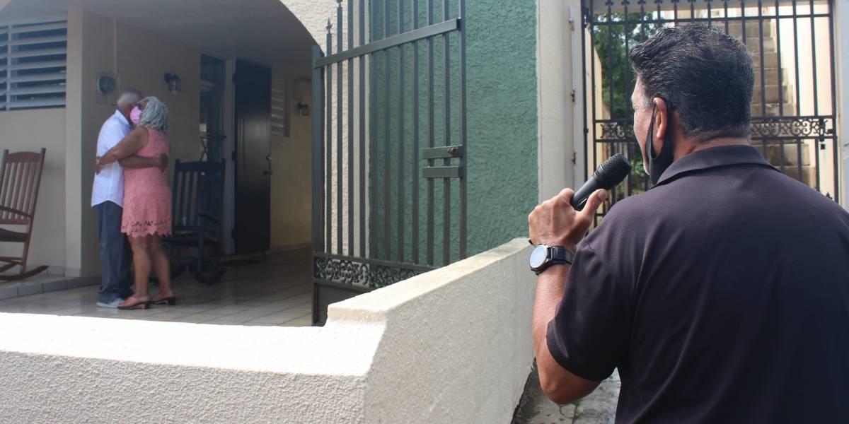 Sorprenden con serenata a mujer en centro de envejecientes en Ceiba