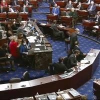 Trump absuelto de los cargos del Senado