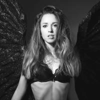 """Esquiadora posa en portada de Playboy para """"crear conciencia"""" en su deporte"""