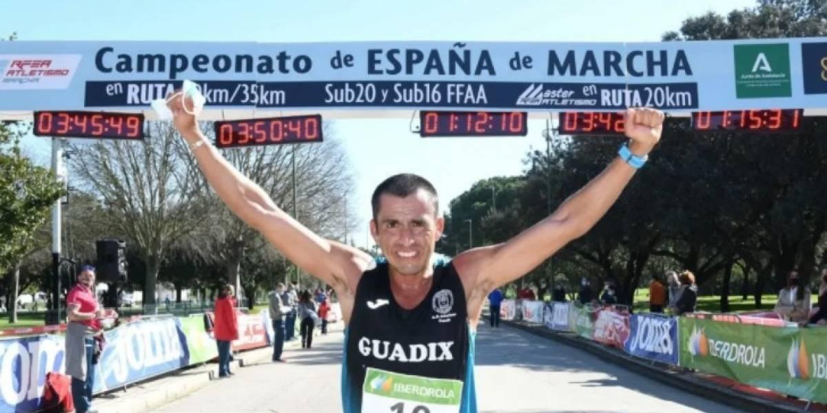 Claudio Villanueva logra un histórico título en la última edición de 50 km de España