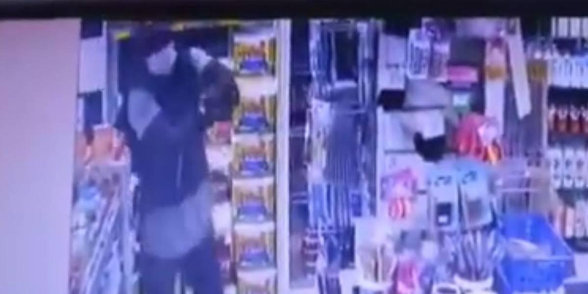 Vídeo: dono de farmácia morre em tentativa de assalto em Búzios, RJ