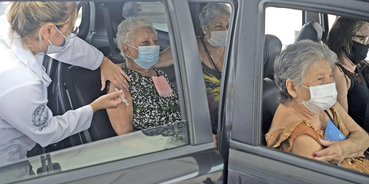 Sem doses, Rio de Janeiro suspende vacinação contra covid-19