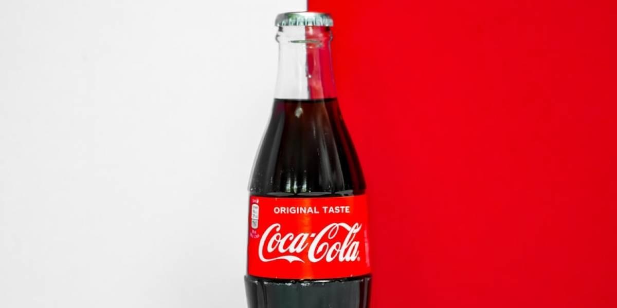 """Coca-Cola lanza una botella hecha de """"papel"""" para cuidar al medio ambiente"""