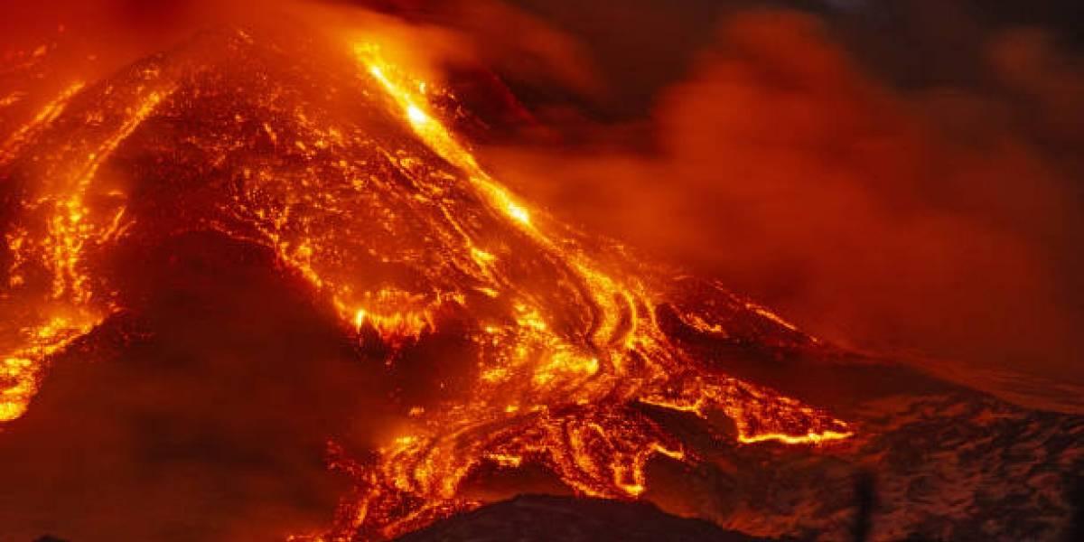Las impresionantes imágenes de la erupción del volcán Etna, ¿puede ocurrir un desastre en Italia?