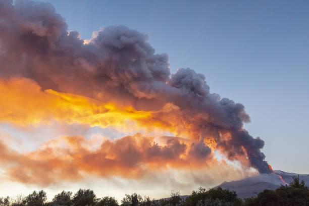 Erupción del volcán Etna.