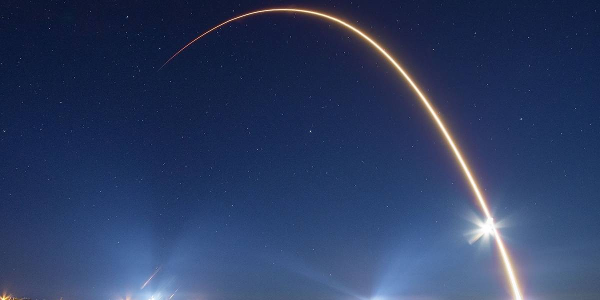 SpaceX comparte el momento en el que libera 60 satélites de Starlink en la órbita de la Tierra