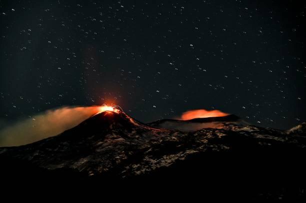 Imágenes de la erupción del volcán Etna.