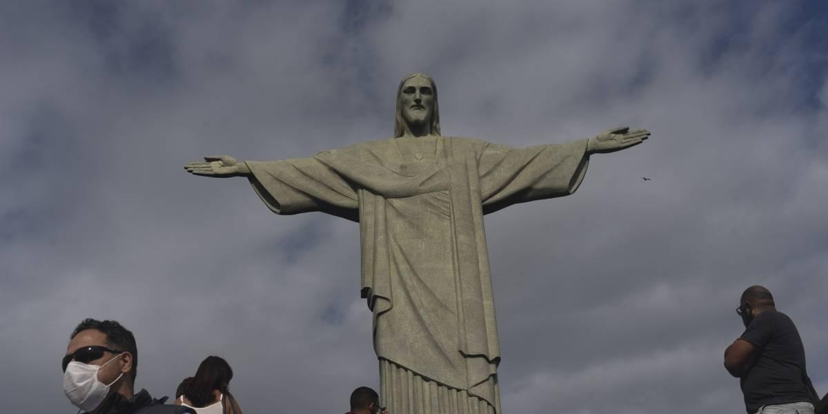Brasil suma más de 55 mil nuevos casos de coronavirus
