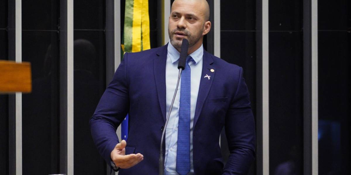 PGR denuncia Daniel Silveira; Supremo mantém prisão